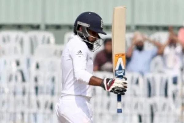 मैनचेस्टर वनडे: इंग्लैंड की राशिद, कुरैन ने बचाई लाज