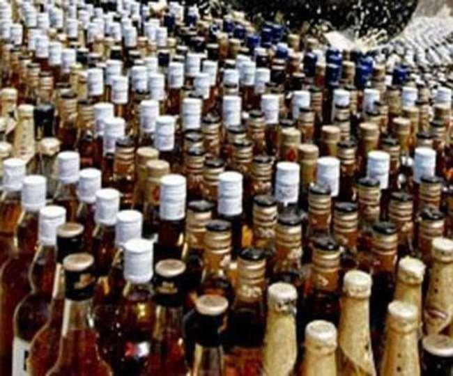 फैलाया जा रहा उजाला शराब से जिंदगी की रोशनी बचाने को, जुर्माना और मृत्यु दंड का है प्रावधान