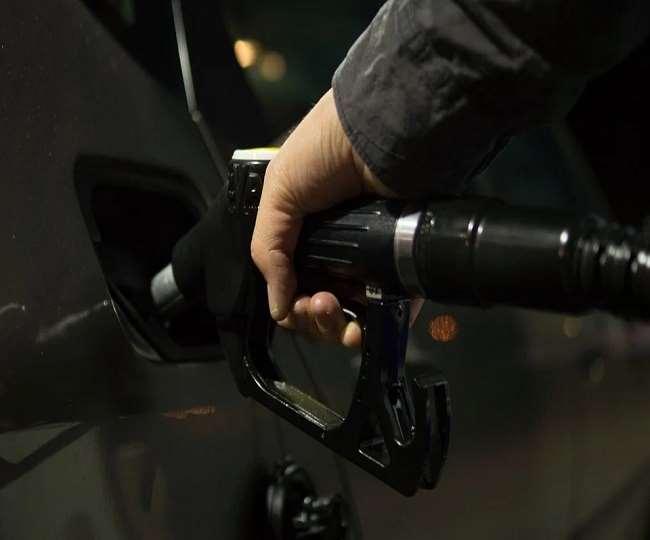 पेट्रोल-डीजल के दाम में लगातार दूसरे दिन बढ़ोत्तरी....