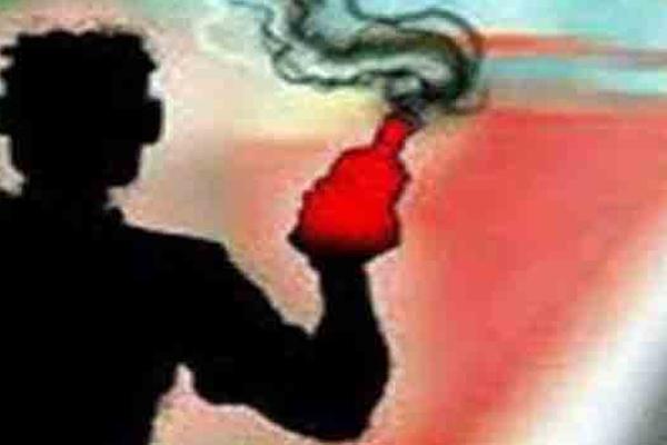 यूपी के प्रतापगढ़ में तेजाब से एक दंपति पर हमला