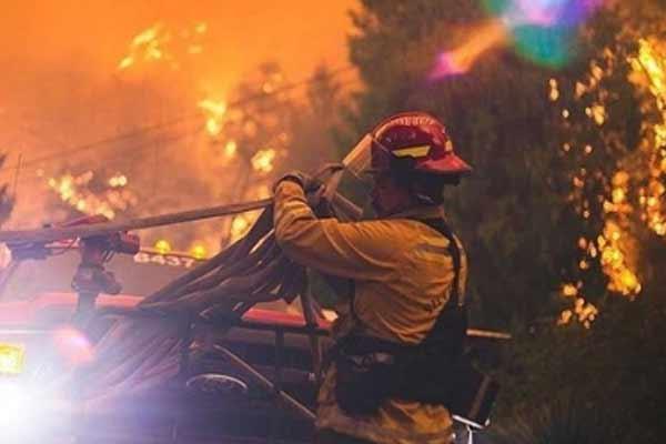 3 लाख एकड़ जमीन ओरेगन में जंगल की आग की चपेट में आई